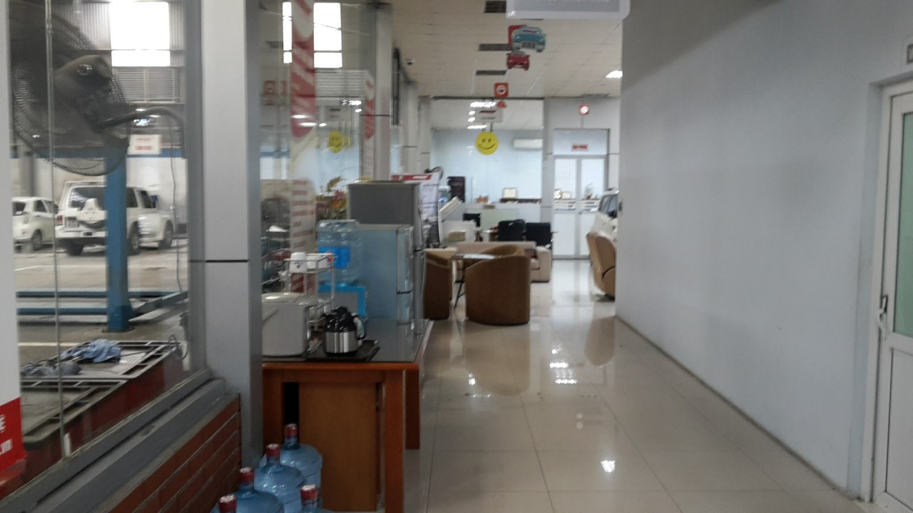 thi-cong-showroom-anycar-my-dinh (27)